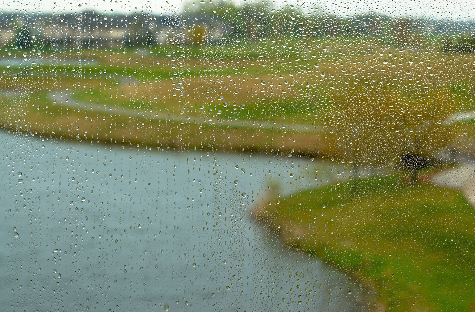 golf-course-rain_ameriturf